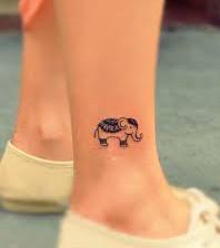 elefant tattoo 20 tattoo ideen f r frauen. Black Bedroom Furniture Sets. Home Design Ideas