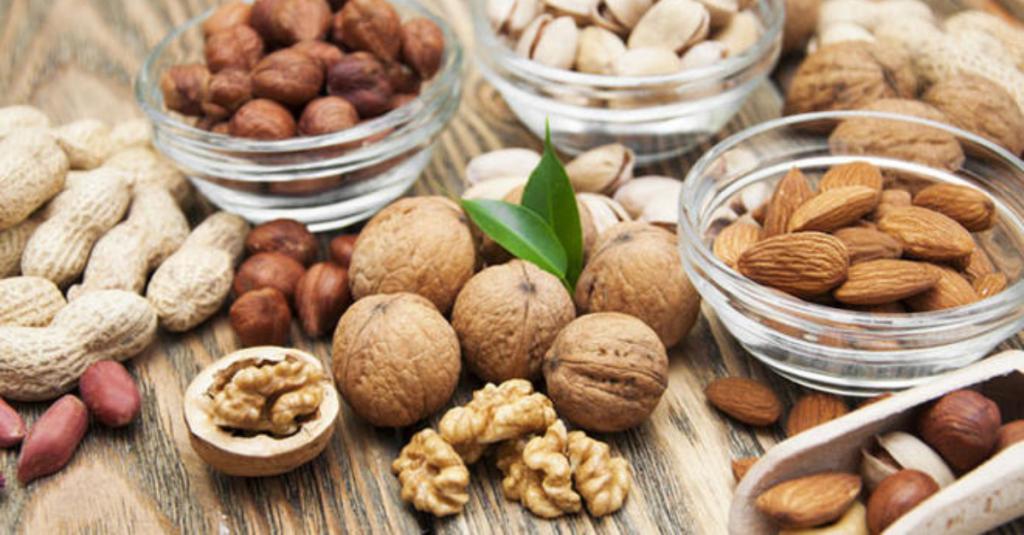 Abnehmen mit Nüssen: So helfen die kleinen Schlankmacher bei der Diät