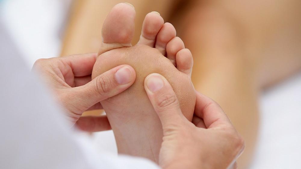 Fußreflexzonenmassage: Preis,Wirkung und Technik zum Ausprobieren
