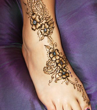 henna tattoo die 20 sch nsten tattoo ideen f r hand arm. Black Bedroom Furniture Sets. Home Design Ideas