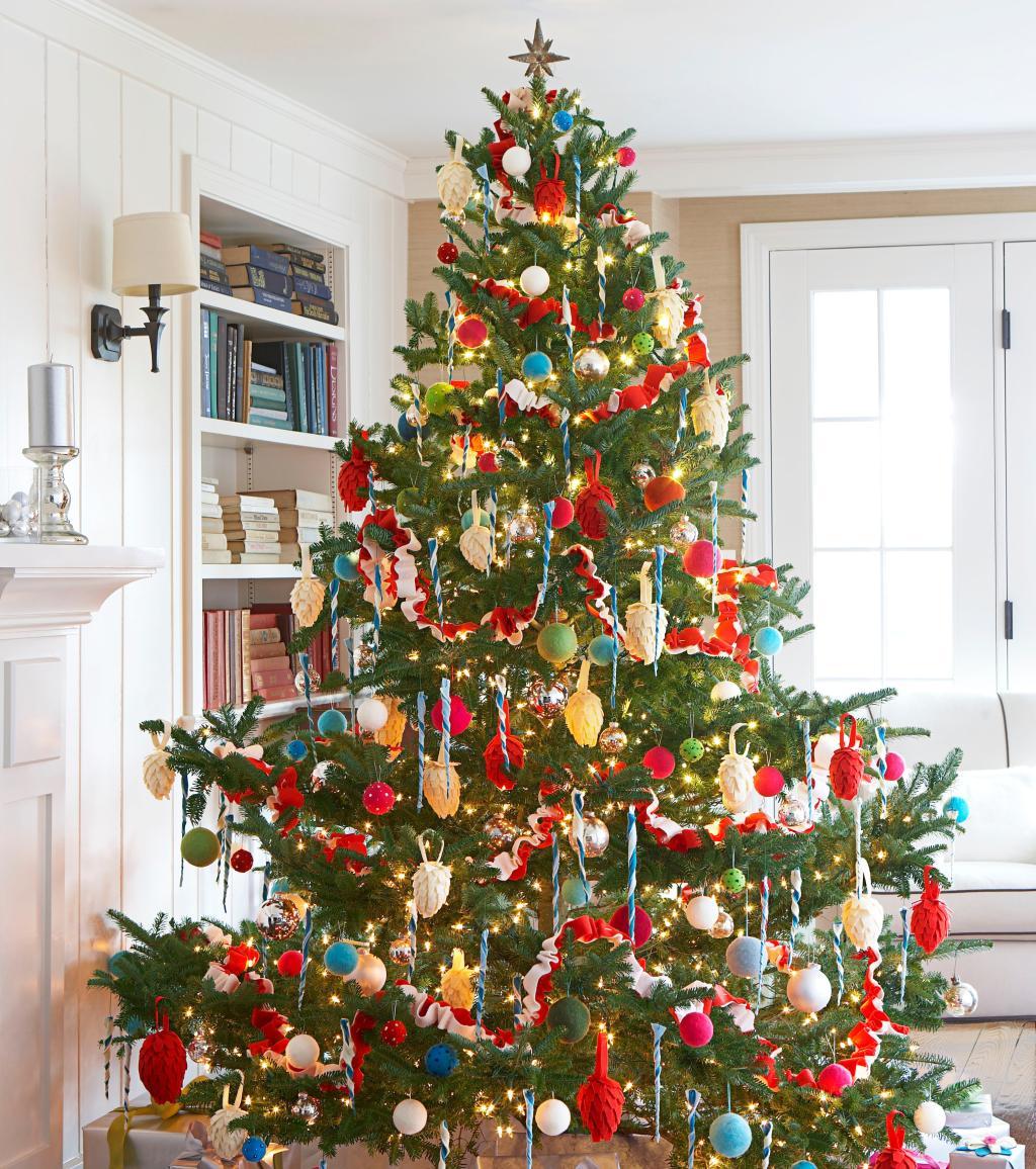 weihnachtsdekoration die 12 sch nsten weihnachtsbaumideen die wir f r euch auf pinterest. Black Bedroom Furniture Sets. Home Design Ideas