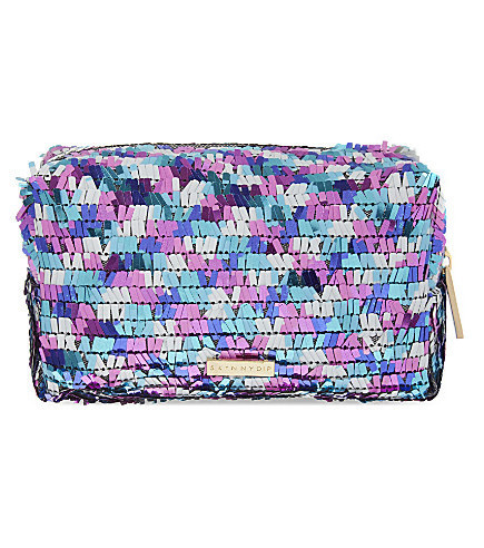 Diese wunderschönen Kosmetiktaschen gefallen uns Frauen und sind eine super Geschenkidee!