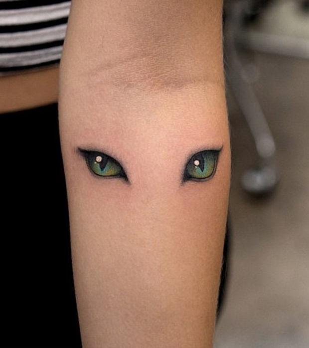 10 Tattoos für mysteriöse Mädels