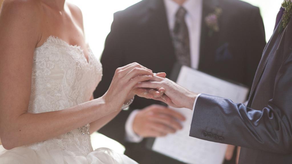 Ehegelübde: 10 Tipps zum Verfassen deines schönsten Versprechens
