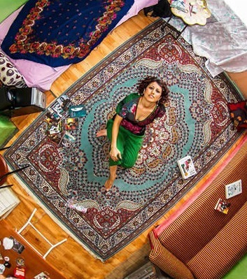 Er fotografiert Menschen aus 55 verschiedenen Ländern in ihren Zimmern. Dahinter steckt eine geniale Idee