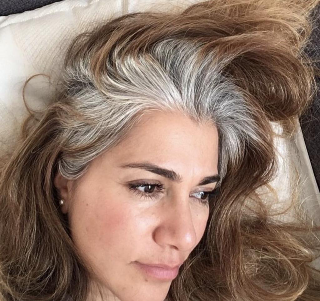 Darum tragen immer mehr Frauen ihre Haare grau