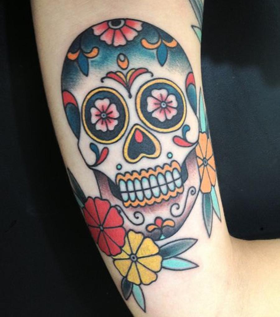 mexikanisches totenkopftattoo 20 tattoo ideen zur inspiration. Black Bedroom Furniture Sets. Home Design Ideas