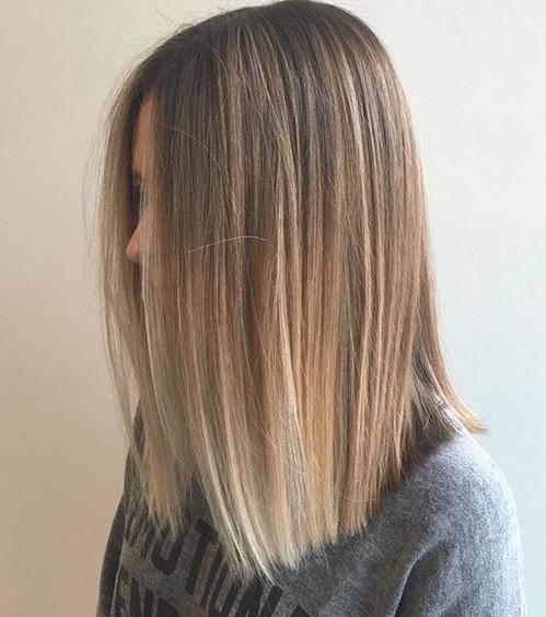 Es gibt einige Methoden und Techniken, um aalglattes und seidig glänzendes Haar zu bekommen, doch sie sind nicht für jeden Haartyp geeignet…