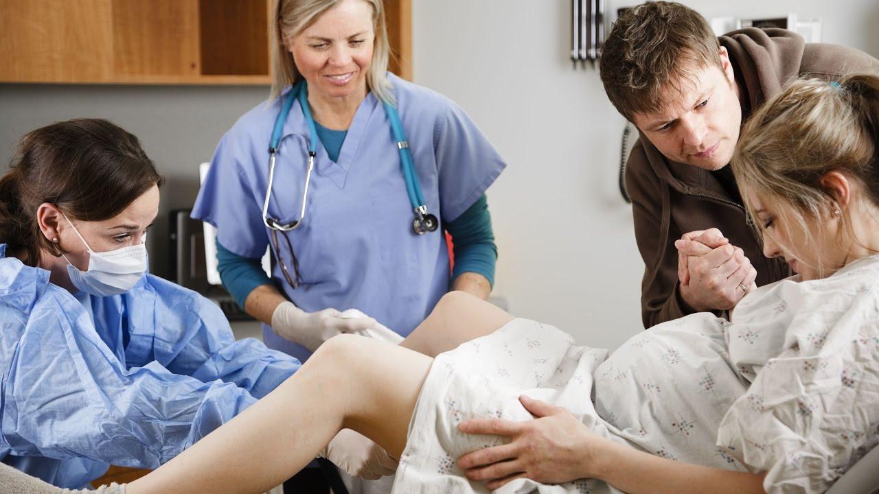 Geburt im Krankenhaus und Klinik: Vorteile, Nachteile, Alternativen