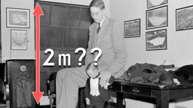Der Größte Mann Der Welt Amerikaner Robert Wadlow War 272 Meter Groß
