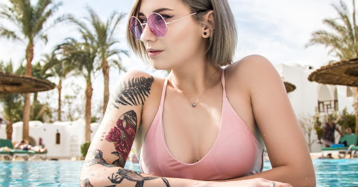 Neues Tattoo: Kann ich damit baden? Wichtige Infos zur korrekten Prävention