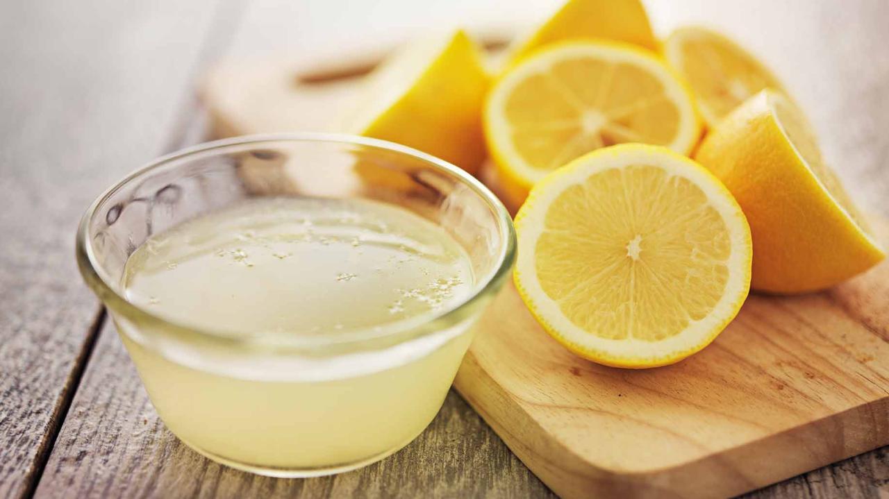 Hilft es, Zitronensaft auf nüchternen Magen zu trinken, um Gewicht zu verlieren?