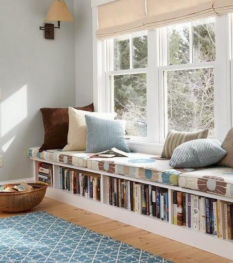 Ihr könnt eure Bibliothek in eine kleine Sitzbank verwandeln