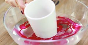 Marmor Mugs Mit Nagellack Und Heissem Wasser
