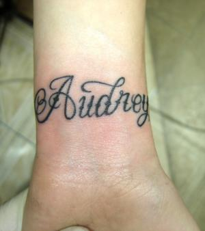 Tattoo Handgelenk Name Kindes