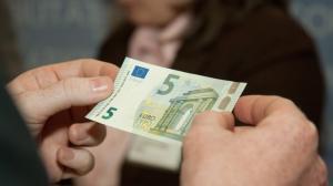Viele 5 Euro Scheine Sind In Wahrheit Knapp 500 Euro Wert