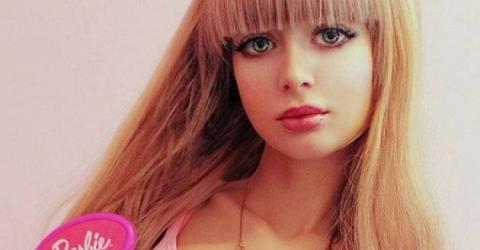 """Angelica Kenova: Von ihren Eltern zur """"Barbie"""" erzogen"""