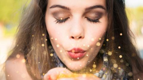 Pailletten und Perlen: Werden sie bald verboten?