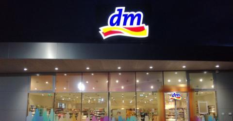 dm-Filiale trifft jetzt eine Entscheidung, die die Meinung von Kunden und Tierfreunden spaltet