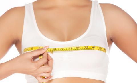 Brustverkleinerung: Alles zu Preis, Schmerzen, Ergebnis und Risiken