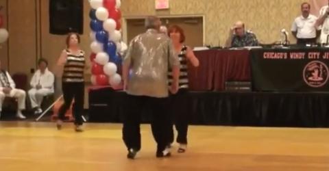 Sie tanzen wunderschön, als plötzlich eine Frau die Tanzfläche betritt!