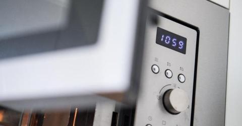 Warum gehen plötzlich alle Uhren in Europa um 6 Minuten nach?