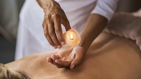 DIY: So stellt ihr eure eigene Massagekerze her