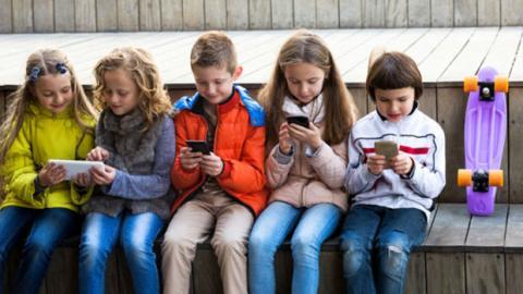 Sorge vor neuer Facebook-App für Kinder