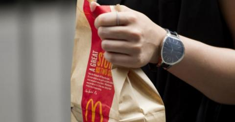 Wenn in einer Fast-Food-Tüte eine tierische Überraschung lauert (Video)