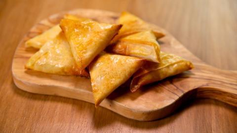 Ein leckeres Winter-Rezept: Raclette-Samosas