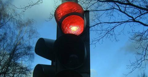 Rote Ampel: Fast alle Autofahrer machen diesen Fehler