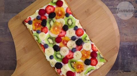 Rezept: Bunte Früchte-Pizza... Weil es nicht immer salzig sein muss!