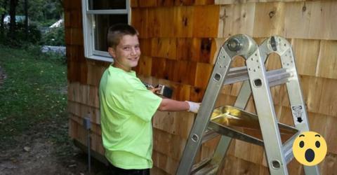 13-Jähriger baut sich sein eigenes Mini-Haus im Garten seiner Eltern