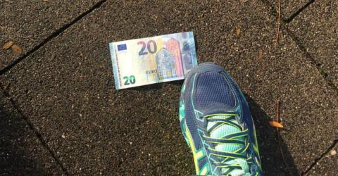Geld auf der Straße finden: So reagierst du richtig!
