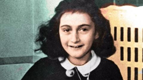 Geheime Seiten in Anne Franks Tagebuch entdeckt. Sie haben es in sich!