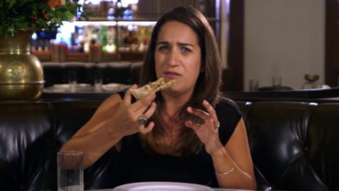 Überzeugte Vegetarierin isst erstmals wieder Fleisch: Ihre Reaktion spricht Bände