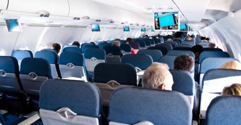 Wenn es im Flugzeug einmal komisch riecht, verschweigt das Bordpersonal etwas, das häufig vorkommt
