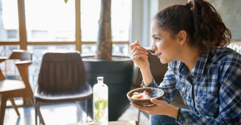 Diese fünf Lebensmittel könnt ihr genießen, ohne euch Sorgen um euer Gewicht zu machen