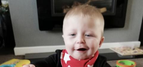 Mutter denkt, ihr Kind hätte Schlaganfall auf Foto, dann entdecken Ärzte etwas viel Ungewöhnlicheres!