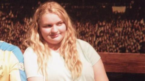 Übergewichtiges Mädchen verwandelt sich total. Dann ändert sich ihr Leben auf krasse Weise