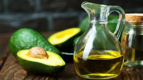 Avocado-Öl: Wirkung auf Haut und Haare