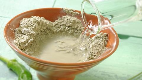Grüne Mineralerde: Anti-Pickel-Helfer und Gesundheits-Booster