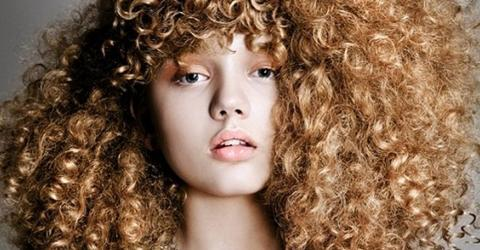 Pflegetipps für krause Haare und starke Locken