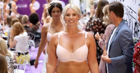 Trotz Bodyshaming: Curvy-Model Angelina Kirsch läuft in Unterwäsche