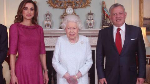 Beunruhigendes Detail: Foto der Königin von England macht allen Sorgen