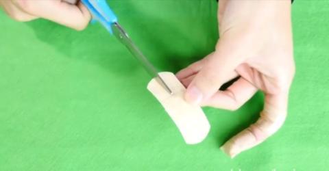 Mit diesem Trick fällt euch das Pflaster endlich nicht mehr vom Finger!