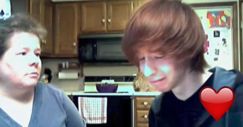 Er sagt seiner Mama, dass er schwul ist. Ihre Reaktion geht unter die Haut!