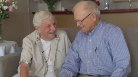Während des Zweiten Weltkriegs verliebt, bringt das Leben sie 70 Jahre später für den Valentinstag wieder zusammen