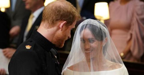 Lippenleser verraten, was Harry zu Meghan am Traualter gesagt hat