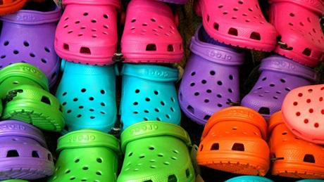 Schlechte News für alle, die im Sommer Crocs tragen!